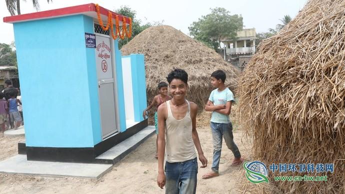 """莫迪宣布5年里修建了一亿多间厕所,印度的""""厕所革命""""成功了吗?"""