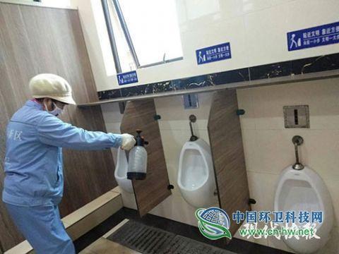南京环卫部门要求1.3万余名环卫工人全部戴口罩作业