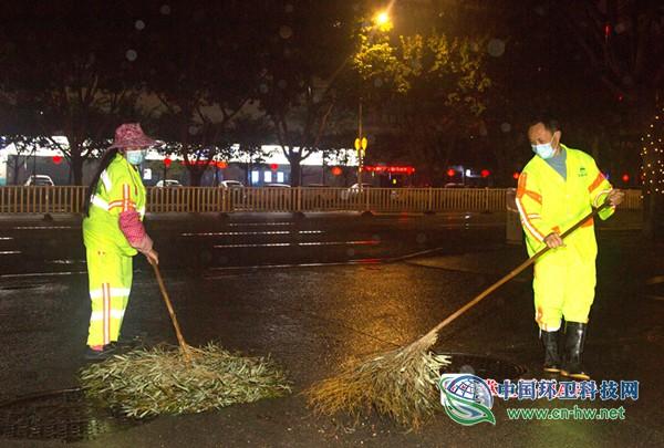 福州11000多名环卫工人春节坚守岗位