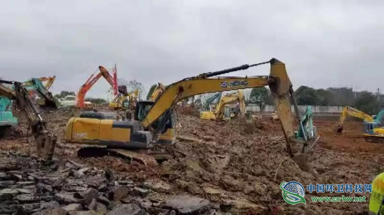 徐工设备驰援武汉火神山医院建设