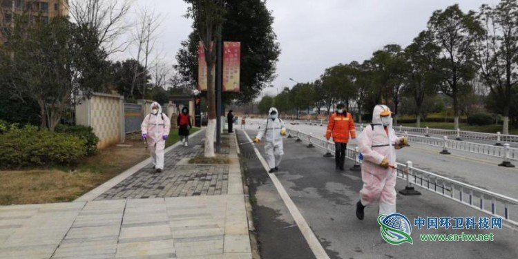 武汉开发区1670名环卫人坚守一线 确保生活垃圾日产日清无暴露