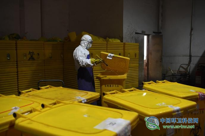生态环境部回应武汉医废处置难点在哪,未来如何补短板?