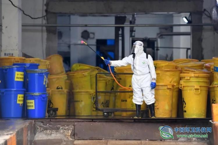 疫情暴露医废分类、处置难题:生活垃圾混入,医废处置能力待完善