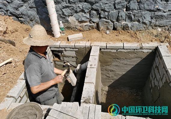 河北迁安市农村厕所改造工作有序开展
