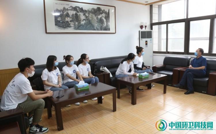 山东科技大学社会实践队到寿光环卫集团调研大棚秸蔓处理工作