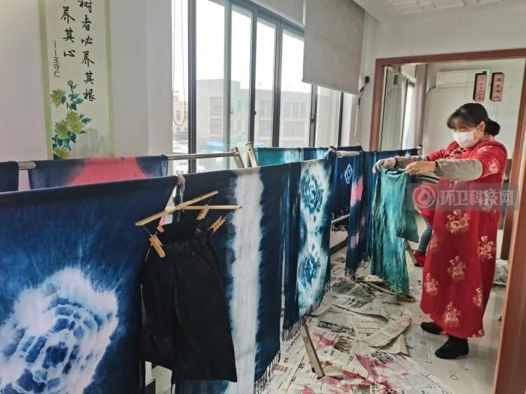 巧手添光彩!宁波市九龙湖镇开展妇女节垃圾分类活动