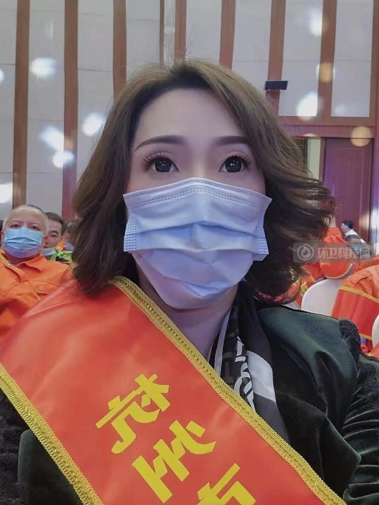 环卫巾帼吴春英