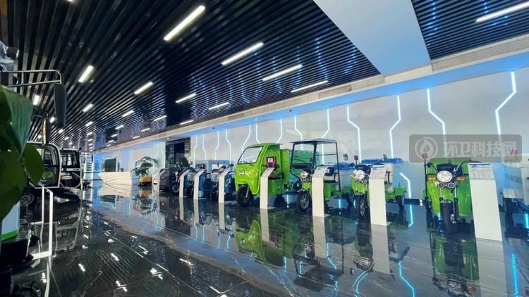 碳中和大环境下选择小型新能源环卫车的必要性!