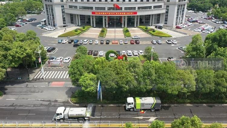 """湘潭城市两区环卫一体化项目实施移交  盈峰中联""""接棒"""""""