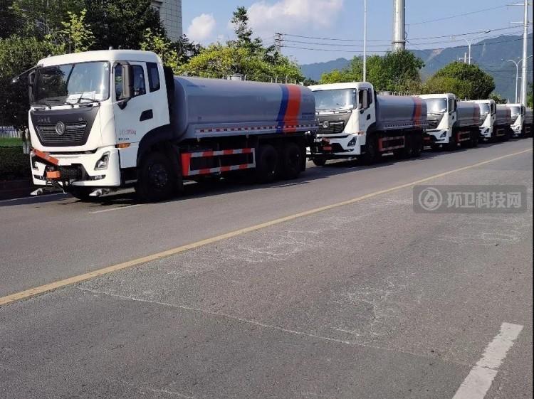 助力渝北区道路整洁!重庆凯瑞特种车清洗车交付进行时